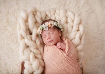 Photographe naissance caen - Elia, séance photo nouveau-né