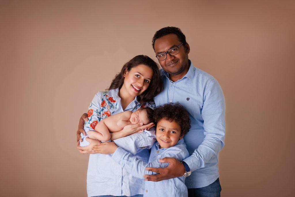 séance photo studio caen nouveau né et parents